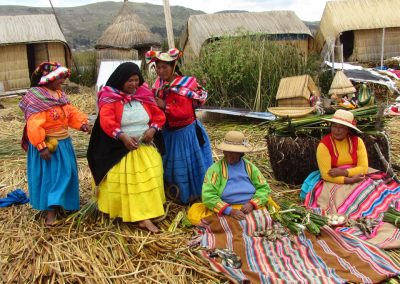 los-uros-people